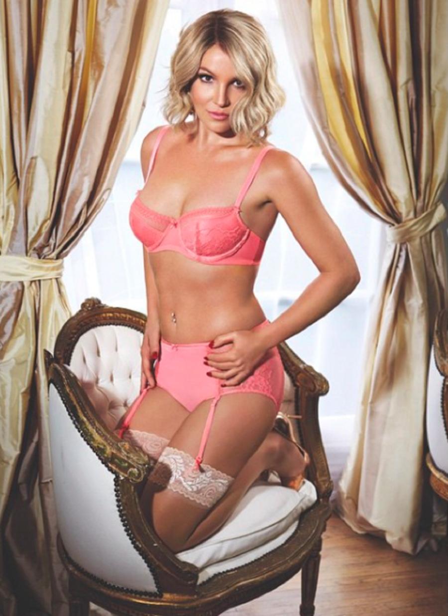 Britney Spears - Lencería rosa