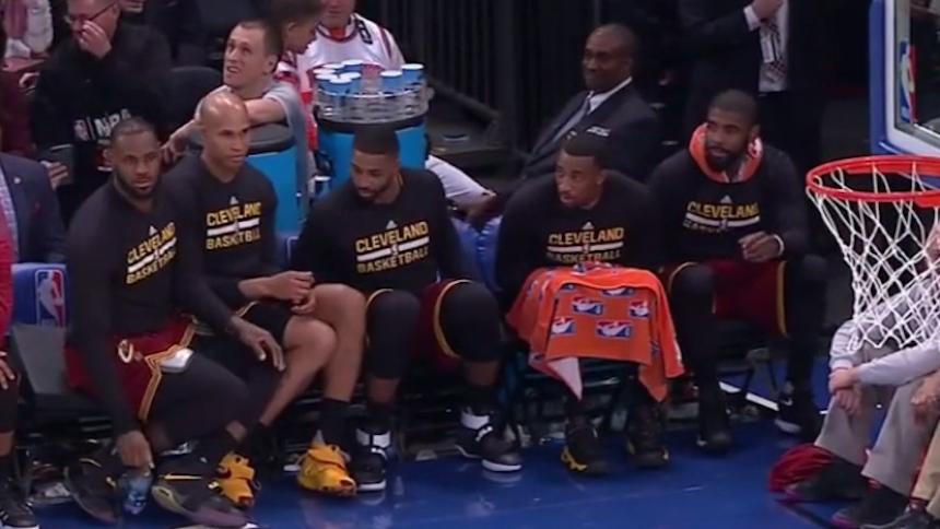 Así matan el tiempo los Cavs con el baile que le pusieron a los Knicks