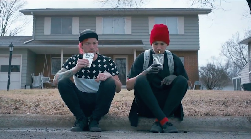 Las mejores canciones del 2016 en un increíble Mashup!