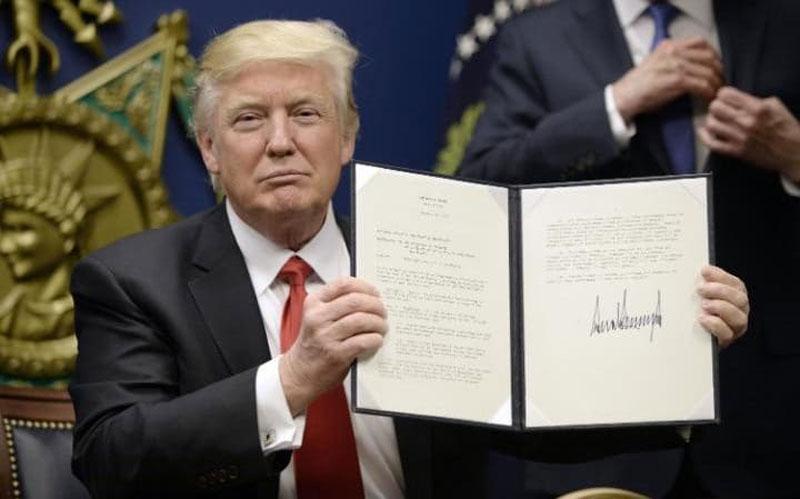 donald trump firma muslim ban