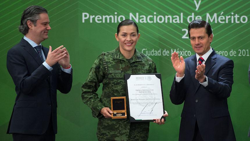 EPN entrega el Premio Nacional de Deportes a medallistas olímpicos