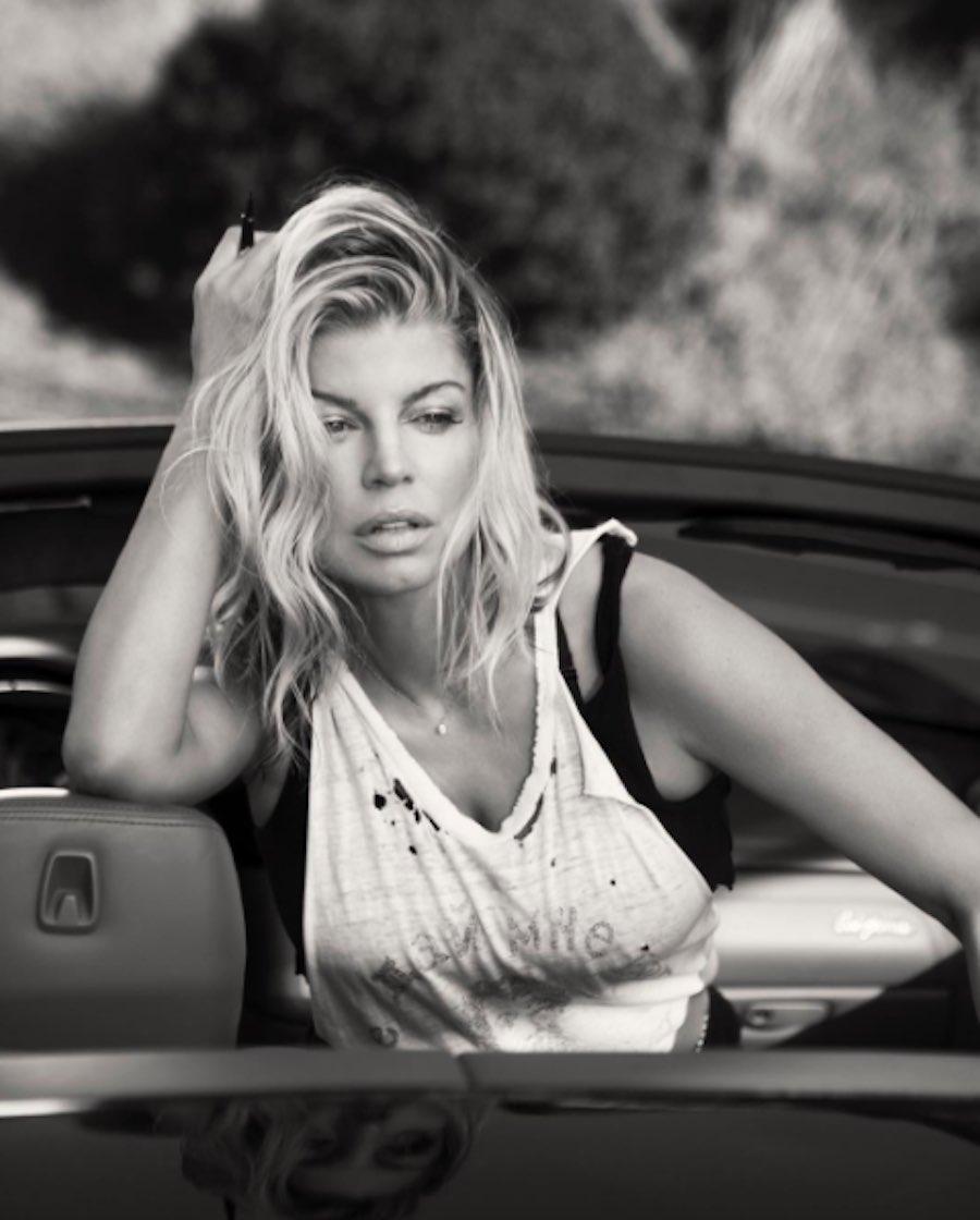 Fergie posando para la cámara