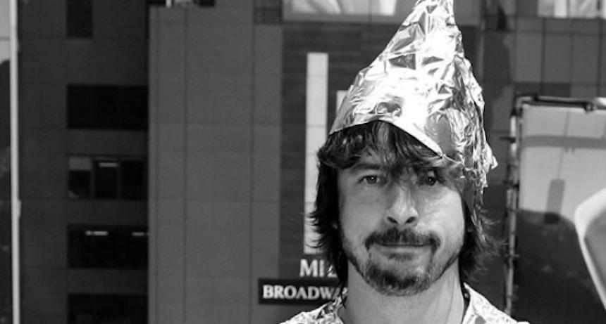 Dave Grohl - Gorro de aluminio