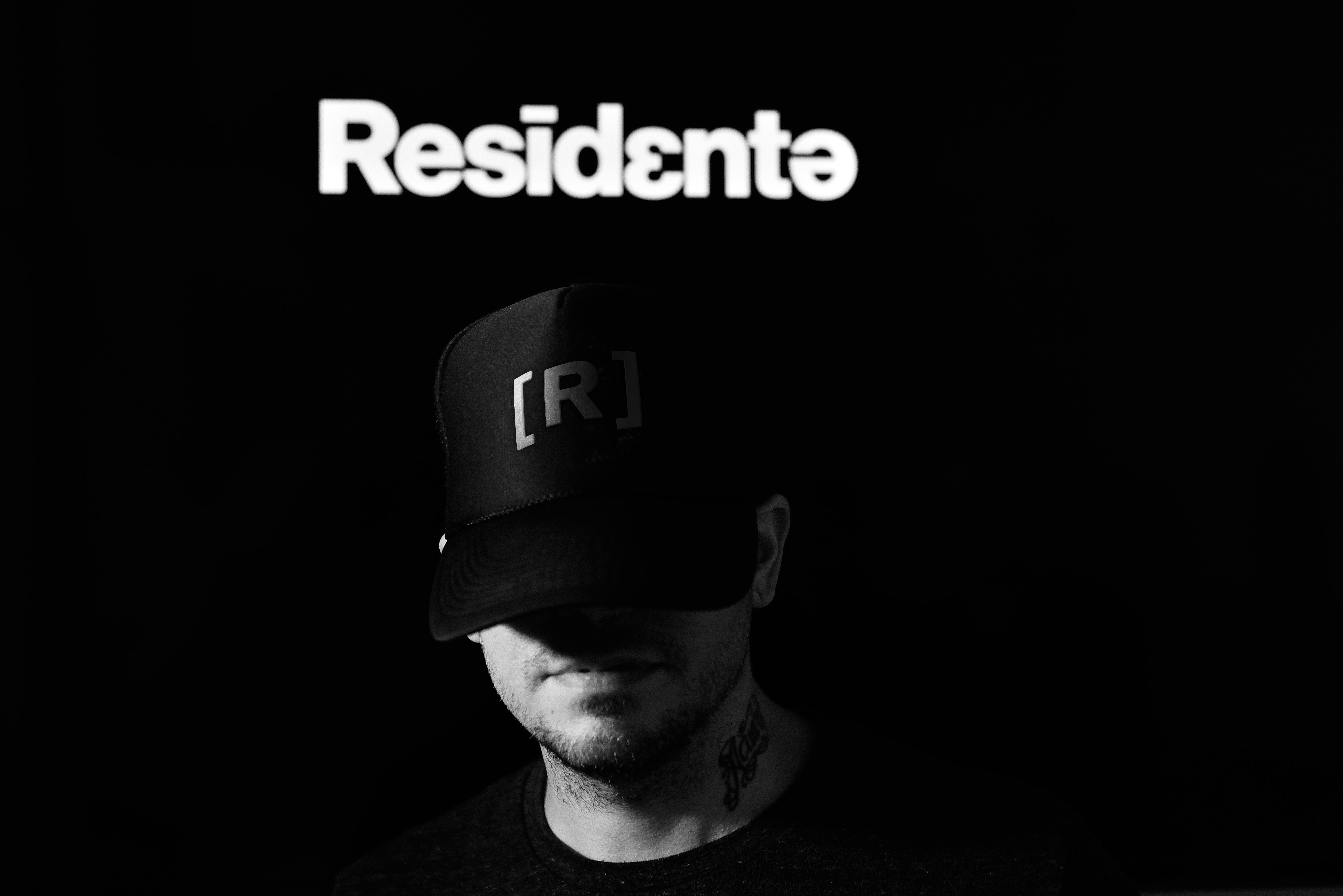 residente-R