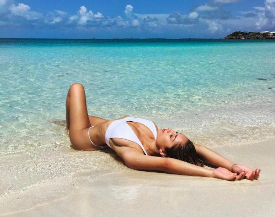 Savannah Montano - Foto en la playa