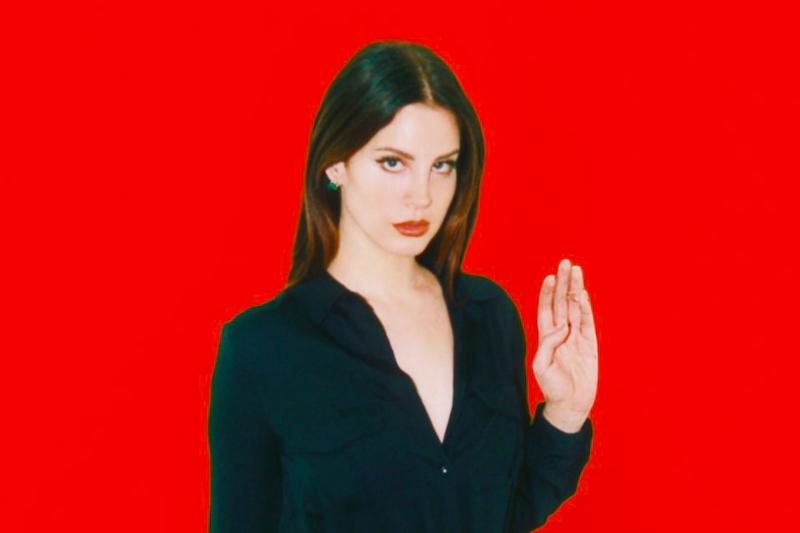 El extraño ritual de brujería que Lana Del Rey quiere aplicarle a Trump