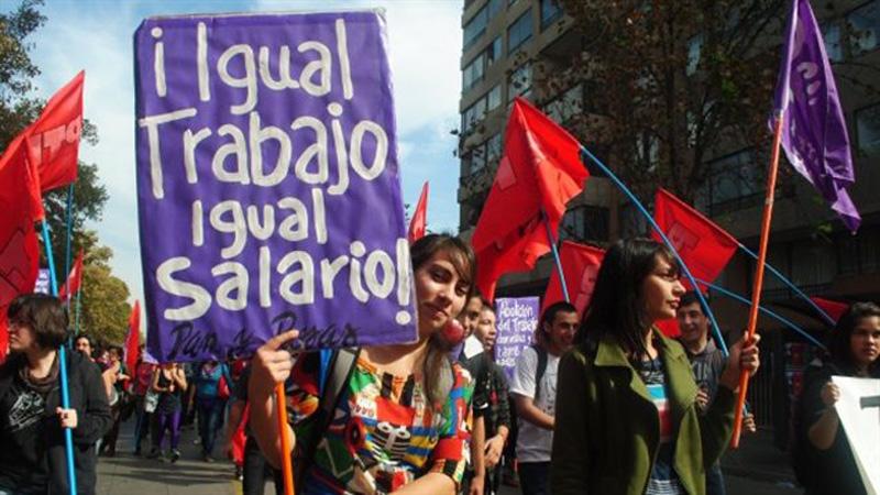 Marcha en Peru por Salario Igual