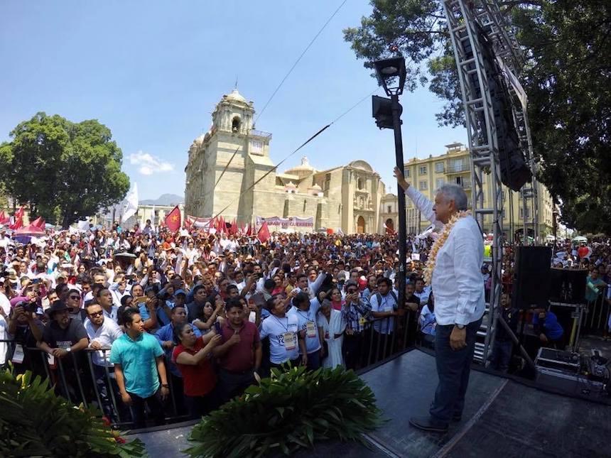 Andrés Manuel López Obrador (AMLO), aspirante presidencial de Morena