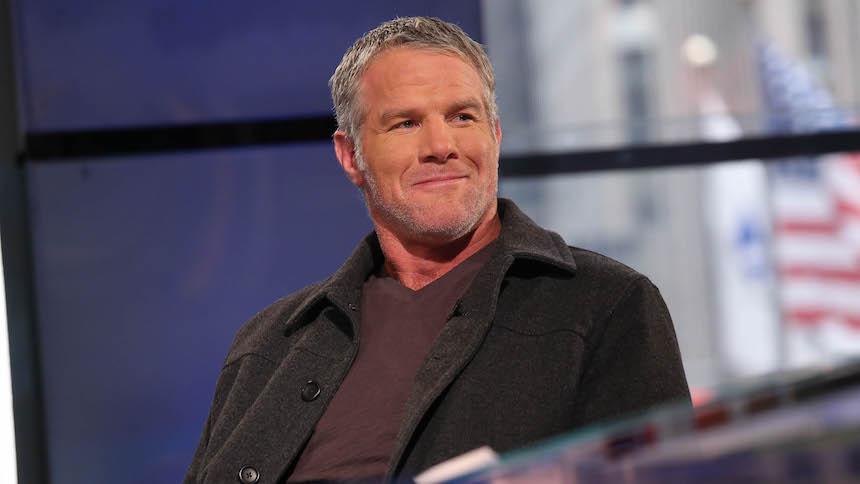 Video: Brett Favre todavía tiene un cañón en el brazo