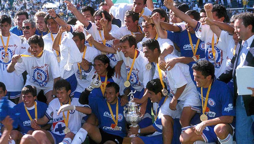 ¡Felices 90 Cruz Azul! Recordemos a su último equipo campeón