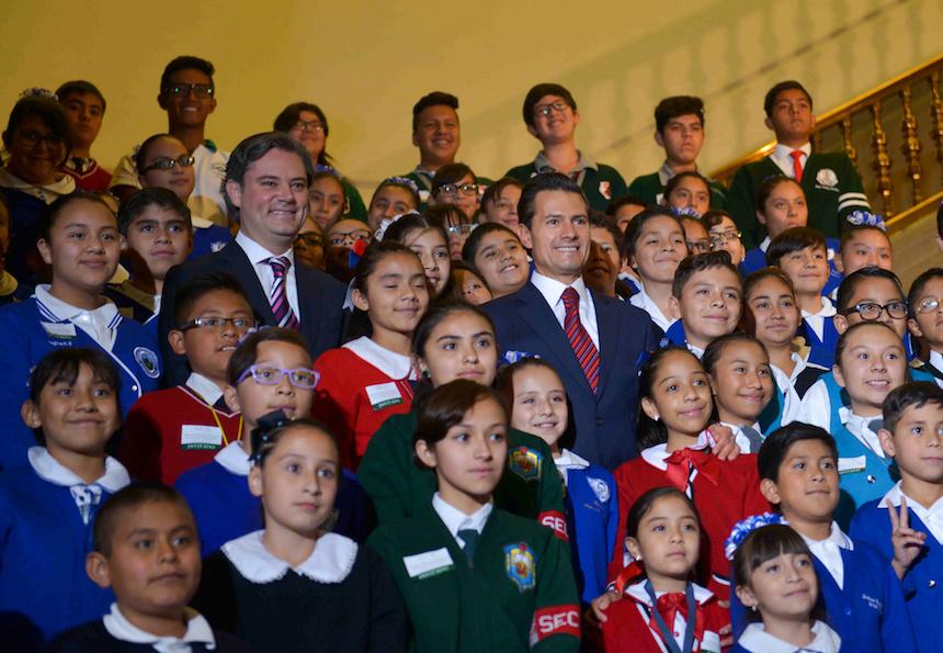 Aurelio Nuño y Enrique Peña Nieto presentan el nuevo modelo educativo