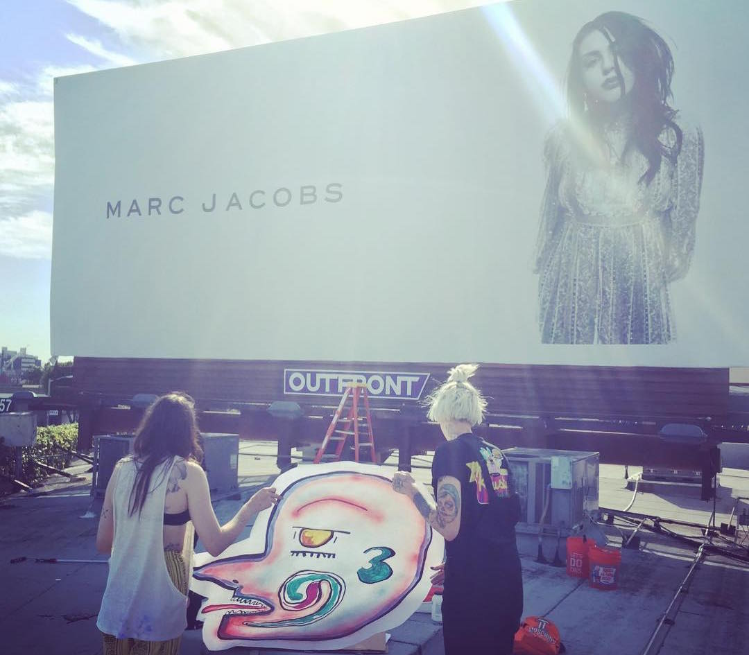 Frances Bean Cobain vandaliza su propia campaña de Marc Jacobs: cool!