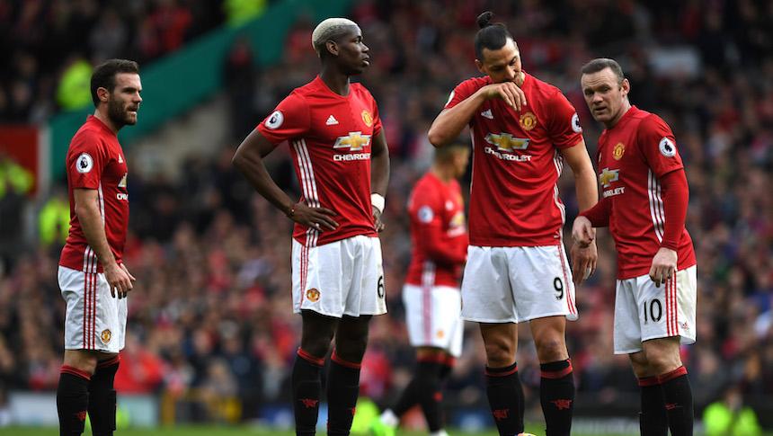 Bournemouth le empató al United en un partido de mucho roce