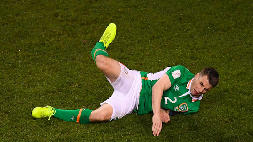 Video: la escalofriante lesión de Seamus Coleman contra Gales