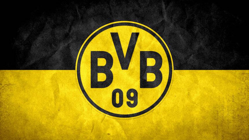 Dortmund anuncia suspensión de partido por explosión cerca de autobús