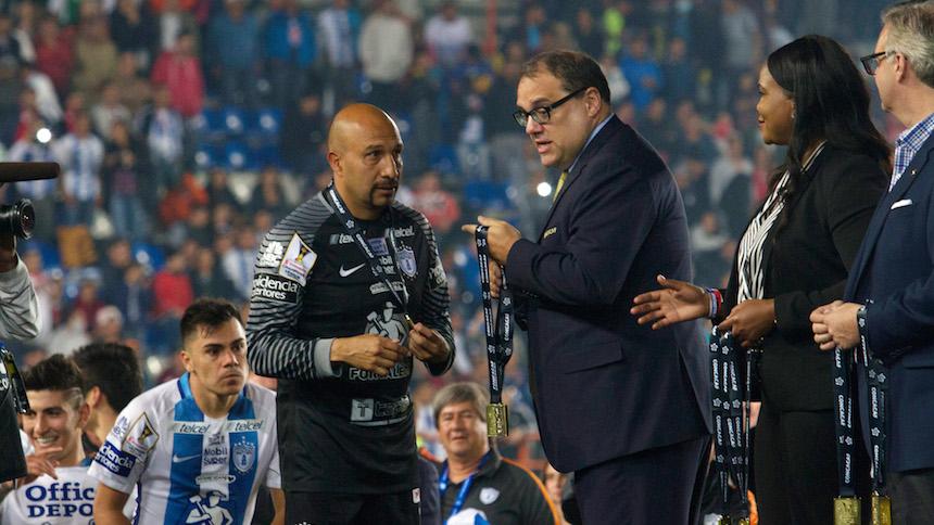 El Conejo Pérez mete reversa y no se retira… Va al Mundial de Clubes
