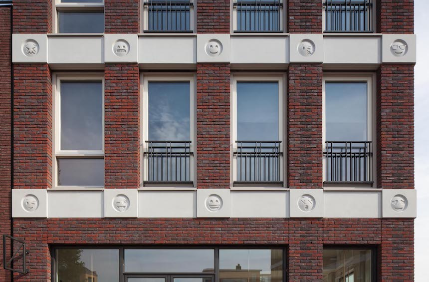 Edificio con Emojis