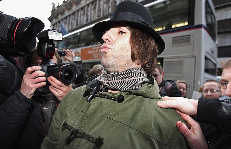 Liam Gallagher le declara la guerra a Damon Albarn por juntarse con Noel