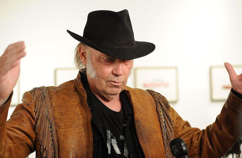 Neil Young lanzará su propio servicio de streaming de alta fidelidad