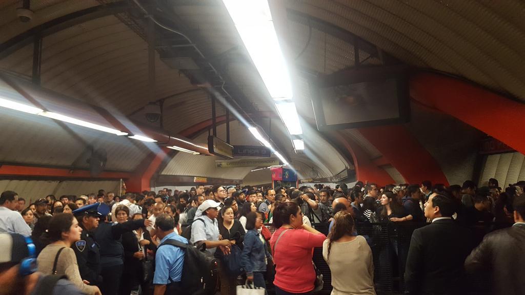 ¿Qué pasó en la Línea 9 del Metro?