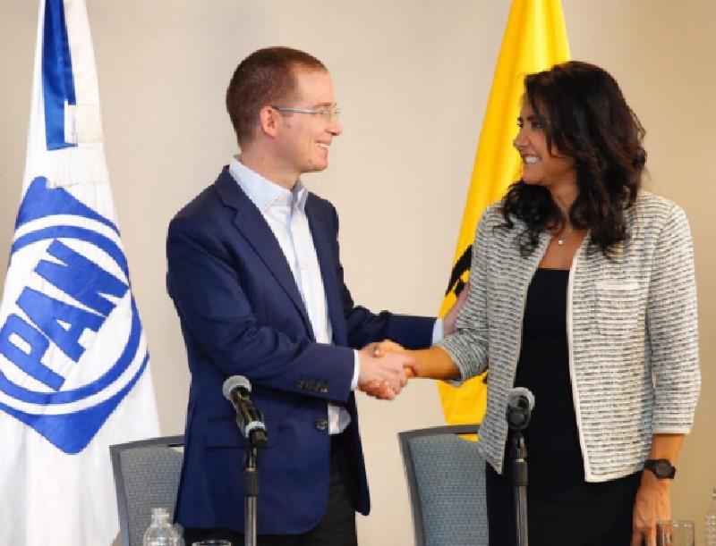 Los líderes del PAN y PRD, Ricardo Anaya y Alejandra Barrales, respectivamente