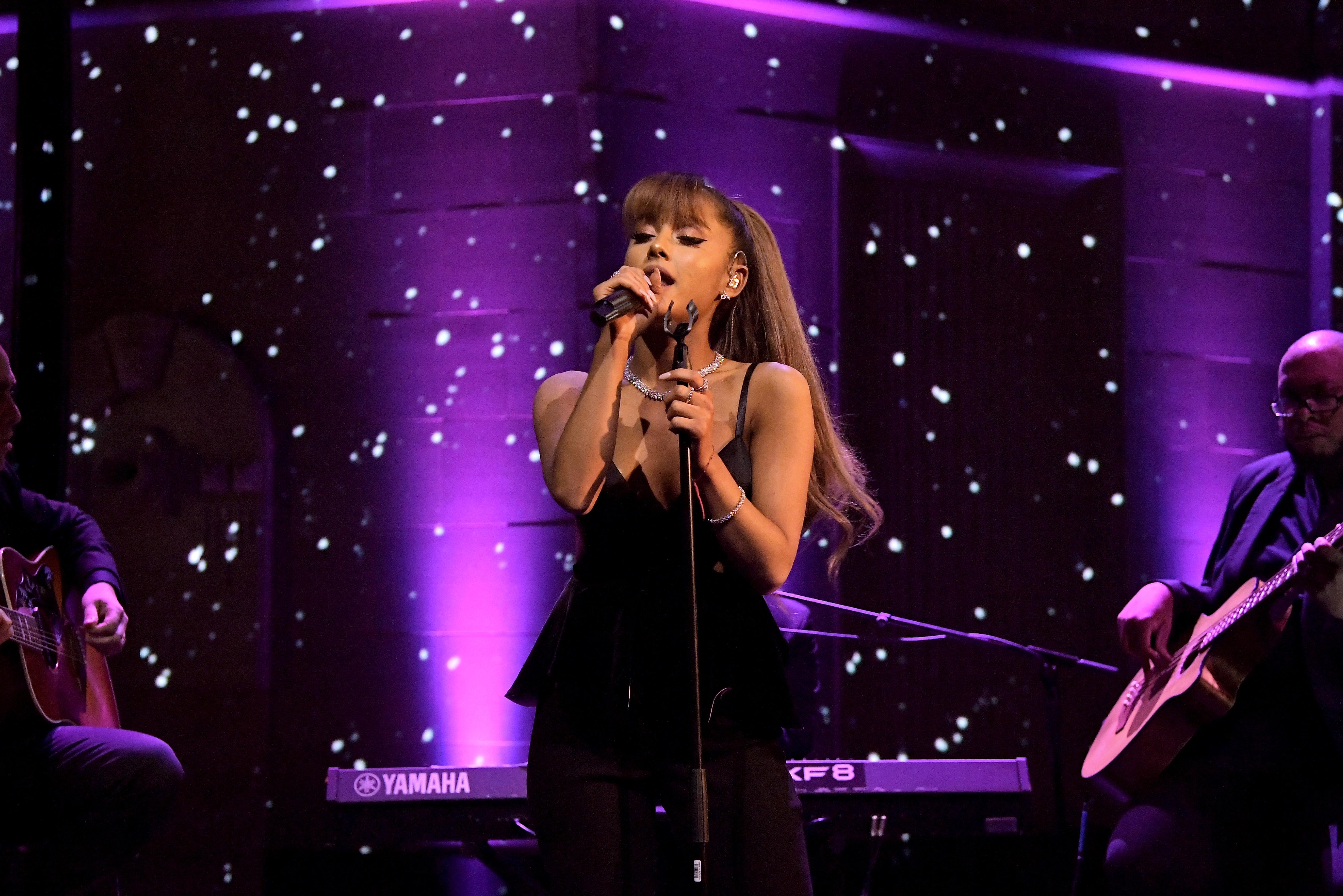 Ariana Grande suspende su gira después de ataque terrorista