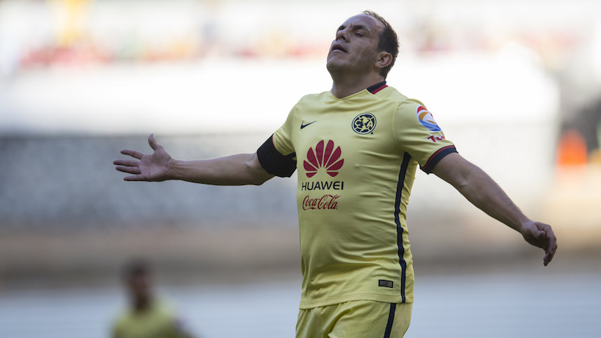 Cuauhtémoc Blanco regresa a la cancha; jugará en España