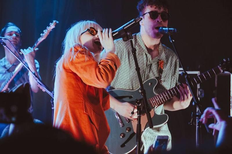 """Paramore comienza su tour con un cover a """"Someday"""" de The ... Paramore Tour"""