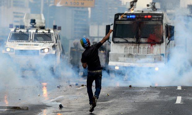http://www.sopitas.com/wp-content/uploads/2017/05/protestas-venezuela.jpg