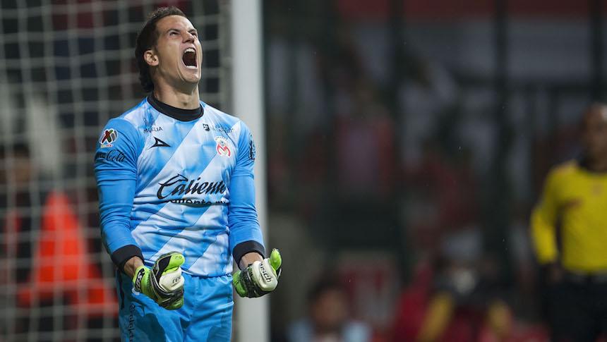 Sebastián Sosa: Periodista, modelo, cantante y 'aguafiestas' del futbol