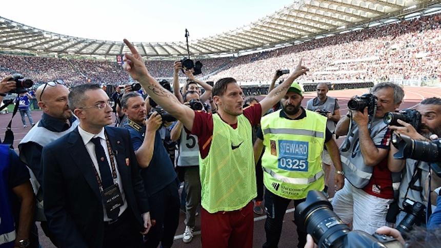 Se retiró Francesco Totti y recordamos su carrera en 20 imágenes