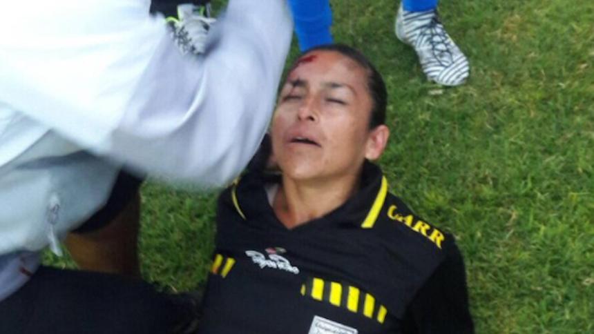Una árbitro mexicana, víctima de agresión