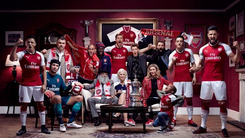 ¡Arsenal presentó su nuevo uniforme de una manera muy original!
