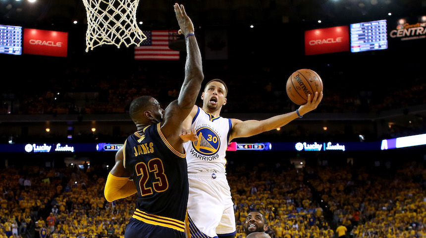Warriors toma ventaja a Cavaliers