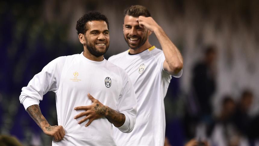 Estas son las opciones de la Juventus para reemplazar a Dani Alves