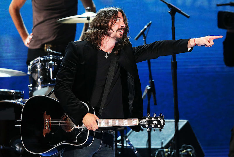 Dave Grohl invita a su hija al escenario para interpretar un cover de Queen