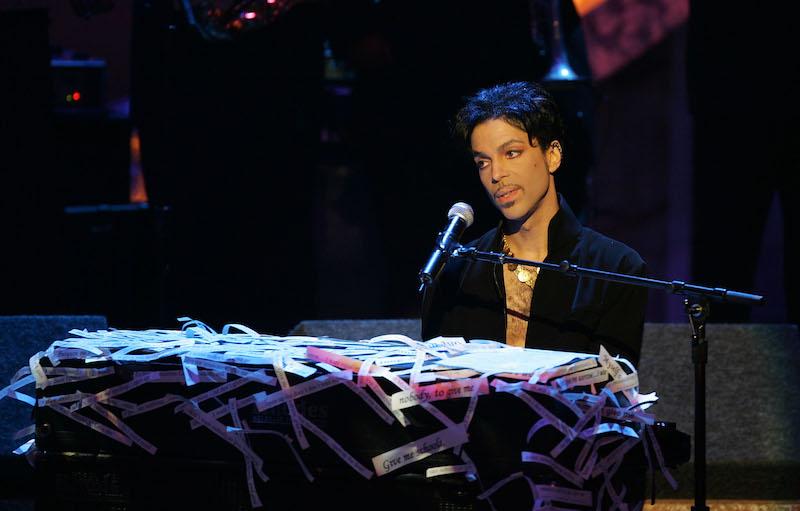 """Ya puedes escuchar """"Father's Song"""", una canción inédita de Prince"""