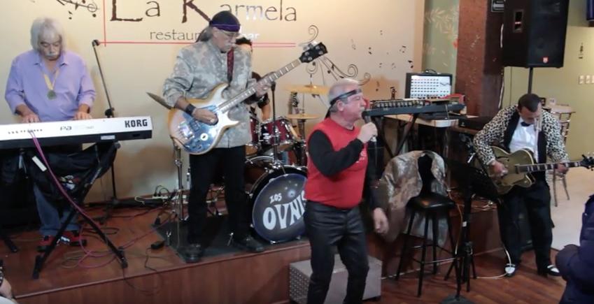 ¡Escucha esta increíble versión en español de 'Light my Fire' de The Doors!