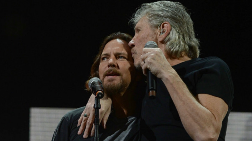 """Eddie Vedder se une a Roger Waters para tocar """"Comfortably Numb"""""""