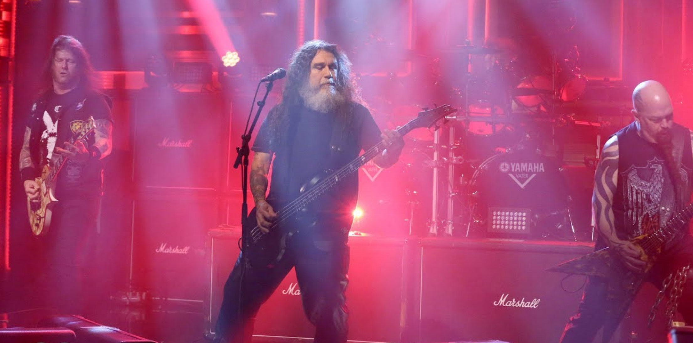 Slayer se puso fresa y fue a tocar Raining Blood con Jimmy Fallon