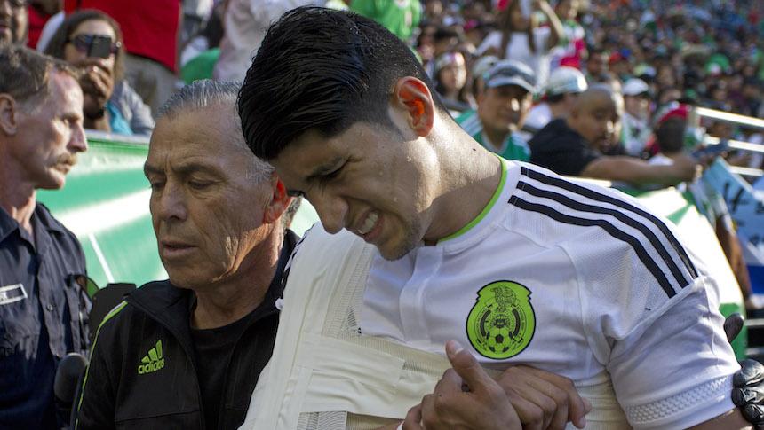 Alan Pulido se perderá casi todo el Apertura 2017