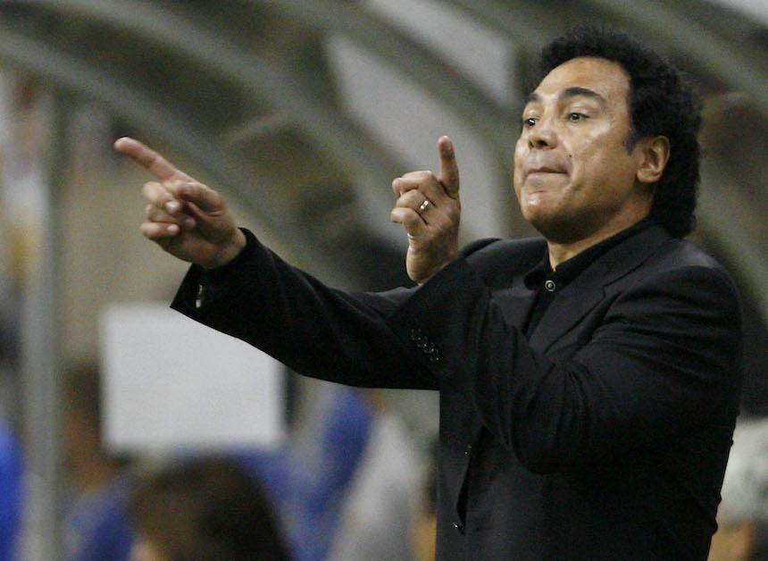 Hugo Sánchez denuncia un partido 'arreglado'… 25 años después