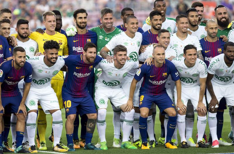 Barcelona vs Chapecoense: El emotivo saque de honor de Follman, Neto y Ruschell