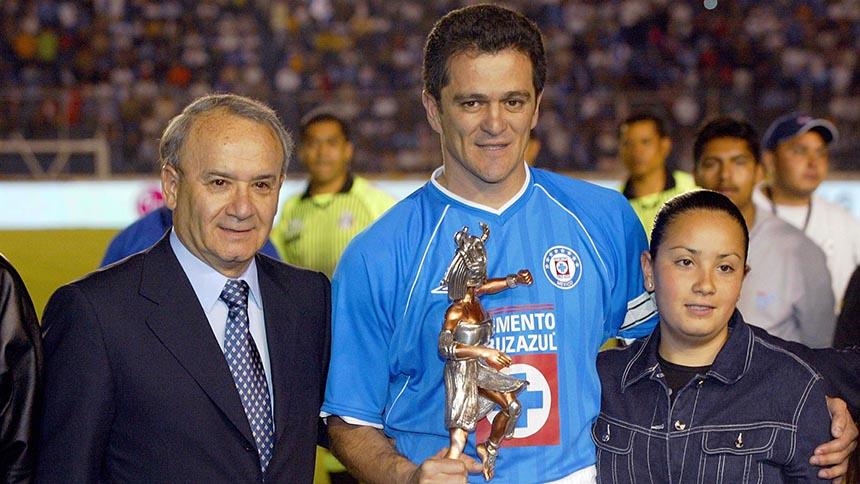 ¡Hay tiro, hay tiro! Billy Álvarez y Carlos Hermosillo se dan con todo