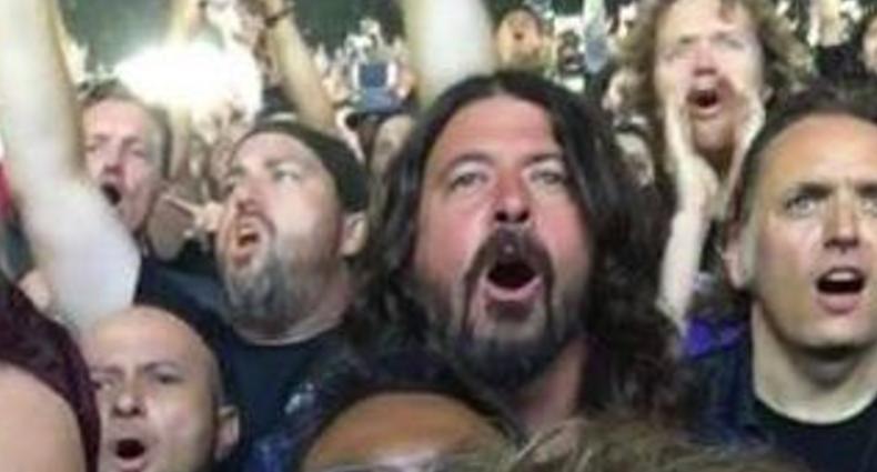 Dave Grohl fue a un concierto de Metallica… y se la pasó increíble