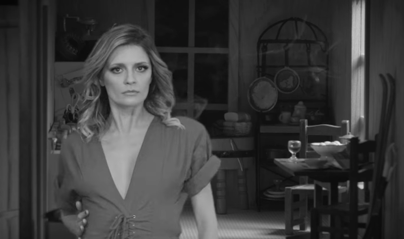 "Mischa Barton protagoniza el nuevo video de Deap Vally para ""Turn It Off"""