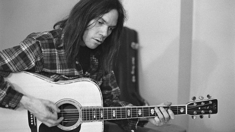 Muy pronto podrás escuchar 'Hitchhiker' ¡el álbum perdido de Neil Young!