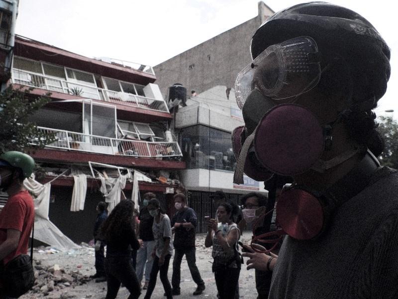 Aumenta a 180 muertos tras sismo en la CDMX