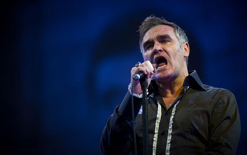 Morrissey debuta en Twitter y te invita a procrastinar en su nueva canción