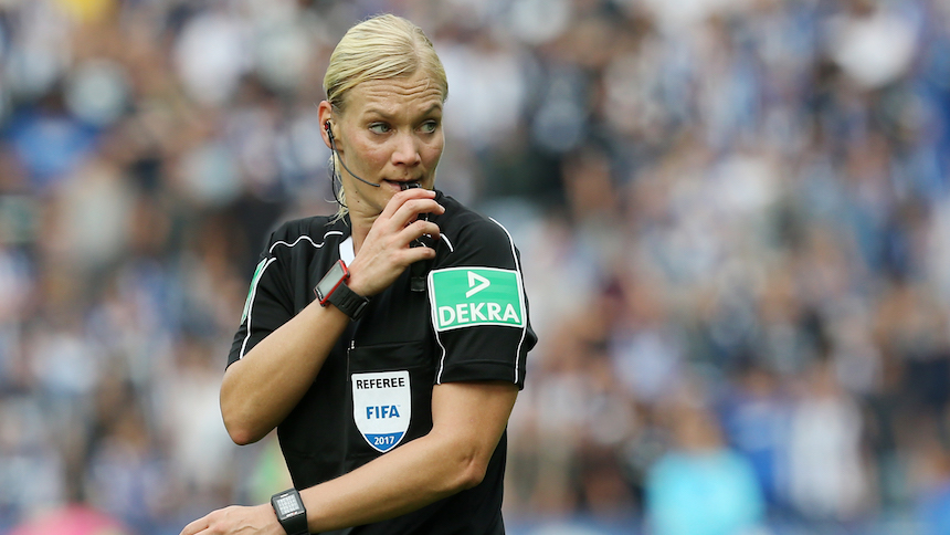 Bibiana Steinhaus se convierte en la primera árbitro en pitar partidos de Bundesliga